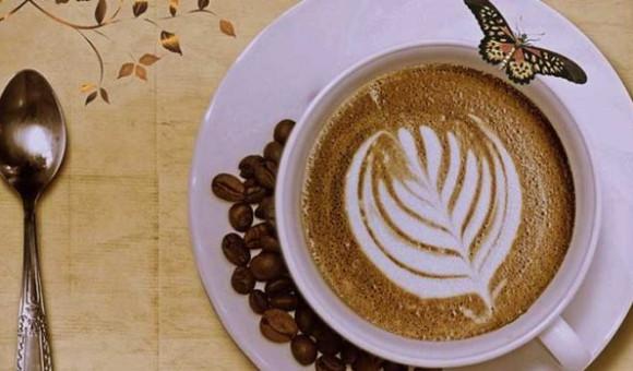 Free-Coffee-Selfie-Offer-Brio-Art-cafe-Ramada-Lucknow