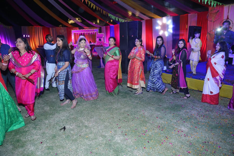 Gallery-The-Replay-Holi-with-Flowers-Holi-2017-Event-18-March-2017-3
