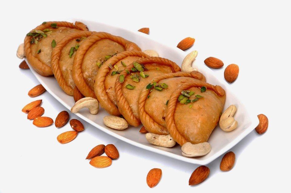 Holi-2017-Traditidional-Sweets-Recipe-Mawa-Gujia
