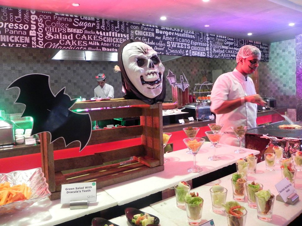 Sunday-Brunch-in-Lucknow---Halloween-themed-Funday-Brunch--29-October-2017-8