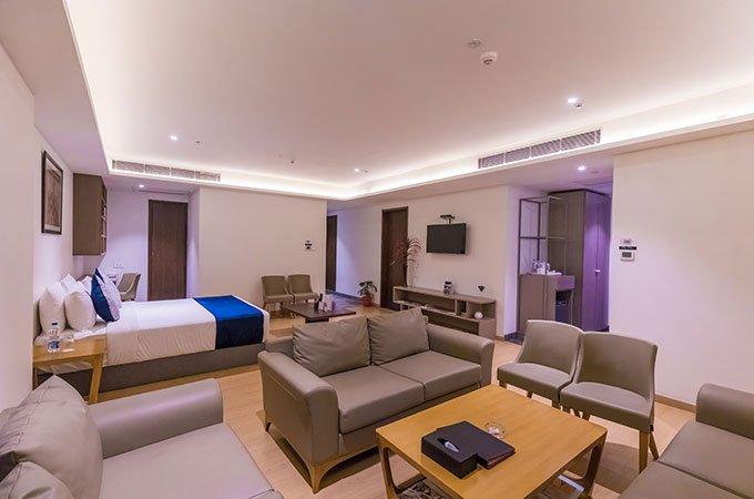 Studio-Room-hotel-room-Ramada-Lucknow