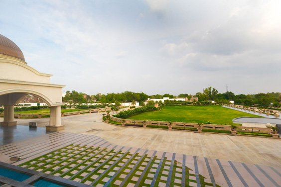 Amphitheater-Lawns-Lucknow-Ramada-Lucknow-Event-Venues