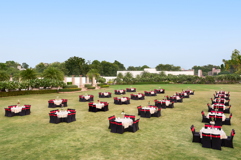 Ramada-Lucknow---Amphitheater-Lawn---Wedding-Venues-in-Lucknow